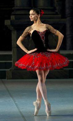 Natalia Osipova in Don Quixote. I love this tutu! Tutu Ballet, Ballerina Dancing, Ballet Dancers, Ballerinas, Bolshoi Ballet, Ballet Costumes, Dance Costumes, Carnival Costumes, Baby Costumes