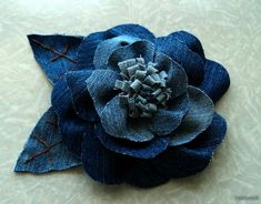 Demin flower brooch, site is in Russian, pics are good and can be translated.