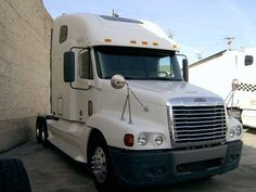 2006 Freightliner Tractor Truck with Sleeper for sale #truck #trucks