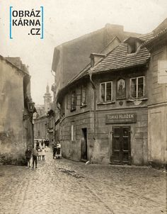 Stará Praha (Old Prague) Vintage Pictures, Old Pictures, Old Photos, Colourful Buildings, Fairytale Castle, Street Artists, Czech Republic, Gustav Meyrink, Places To Visit