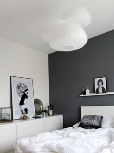 A bright shade of gray can enlighten your feeling whenever you enter your gray bedroom. We have 30 gray bedroom ideas that . Read Elegant Gray Bedroom Ideas 2020 (For Calming Bedroom) Room Decor, Room Inspiration, Interior Design, Bedroom Decor, Home, Interior, Bedroom Inspirations, Home Bedroom, Home Decor