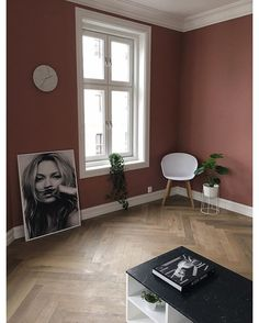 Wow! I am just SO HAPPY with the new amazing colour in my two livingrooms…
