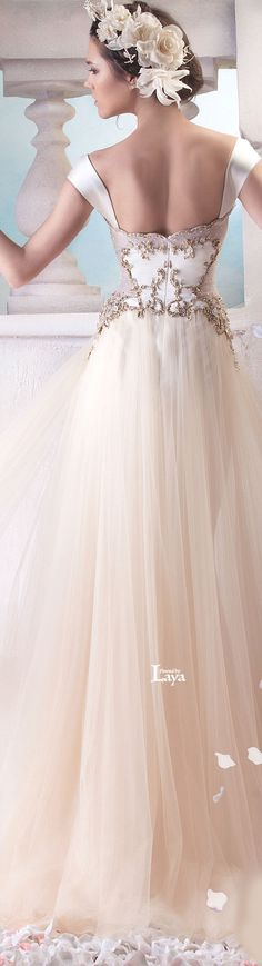 Couture 2015~Spring/Summer *HANNA TOUMA S/S 2015 COUTURE jαɢlαdy. Love the flowers in her hair!