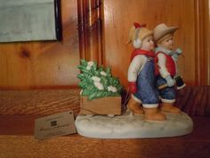 Denim Days Figurine Bringing Home The Tree W Tag Mint Homco Interiors