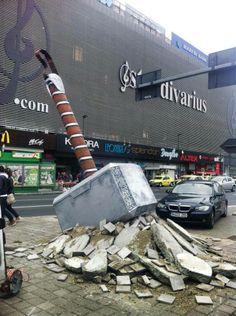 Thor hammer arrived in Bucharest