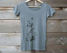 Womens Graphic Tee - Organic Cotton T Shirt - Ocean Blue T Shirt - Bird Shirt… Bird Shirt, Flower Shirt, Tie Dye Outfits, Organic Cotton T Shirts, Feather Design, T Shirts For Women, Clothes For Women, Blue Fashion, Womens Fashion