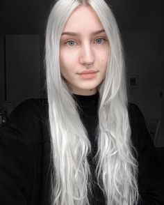 Messy long silver dyed hairstyle by wioleth