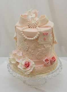 6 Inch Cake Finished In Buttecream With Sugar Lace And Gumpaste Roses And Hydrangea Styro Lid Covered In Fondant