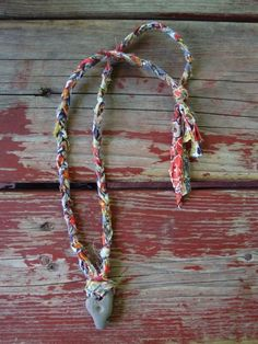 braided cloth necklace; ideas for cloth working