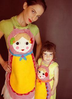 Mãe e filha na cozinha. COPY&PASTE http://www.copyepaste.com/2012/07/mae-e-filha-na-cozinha.html