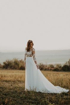Dalma / The Eternity gown / Nora Sarman Bridal / Photo: Sweet Light Wedding #bridal #bride #weddingdress #bridalgown #menyasszony #menyasszonyiruha #esküvőiruha