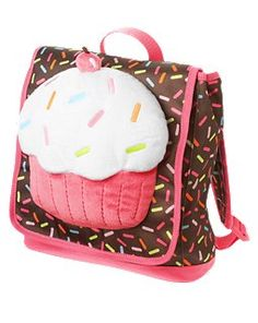 Plush cupcake with sprinkles and a cherry on top. No doubt many a preschool girl will fall in love with this backpack.
