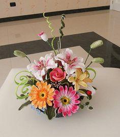 Crochet Flowers pattern by Claudia Giardina http://www.ravelry.com/patterns/library/crochet-flowers-5