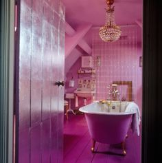The Modern Version Calling This Bright Pink Bathroom Glamorous And Ont Really Doesn T Do It Justice Amazing