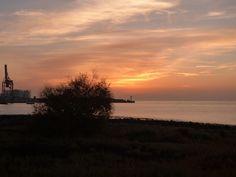 Canary Islands Photography: #CompartetuAmanecer #Fuerteventura Puerto del Rosa...