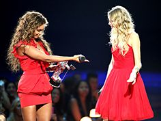 When Kanye ruined Taylor's VMAs speech Beyonce gave up hers to give Taylor another chance