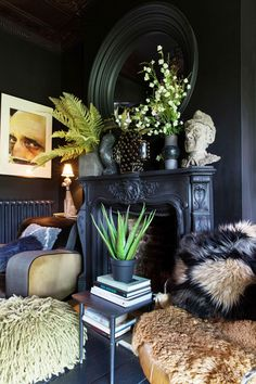 """Abigail Ahern shares her top decorating secrets: Hang art over doors """"This will visually raise your eye level, making your walls seem grander. Suddenly it will feel like you are living in a stately abode. Bathroom Interior Design, Home Interior, Interior Decorating, Interior Paint, Interior Shop, Decorating Bathrooms, Scandinavian Interior, Interior Doors, Modern Interior"""