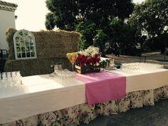 Una mesa para mojitos. El detalle perfecto para una boda divertida y desenfadada. #AmadisCatering #Talavera #TalaveradelaReina #Bodas #Eventos #Catering #Comida #Food #Celebraciones #Detalles #Weddings #Decorations #CateringEventos #CateringBodas #Mojitos #Cocktail