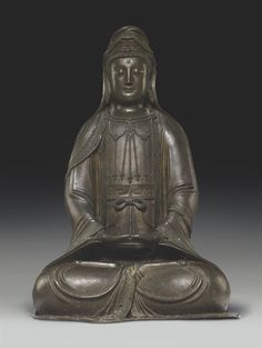 A LARGE BRONZE FIGURE OF GUANYIN - MING DYNASTY, 16TH CENTURY