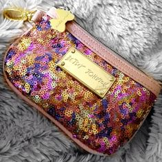 @Melanie Bauer Bauer Zimmerman love my new #betsey #johnson #clutch