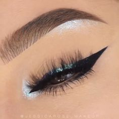 "Oh, how beautiful! By: History of eye makeup ""Eye care"", put Maquillaje Huda Beauty, Huda Beauty Makeup, Diy Makeup, Makeup Inspo, Makeup Tips, Cheap Makeup, Makeup Brands, Makeup Products, Eyeliner"