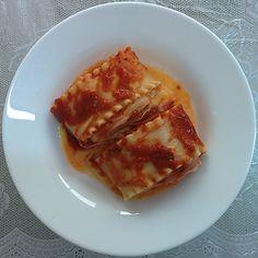 Rolinhos de lasanha são incríveis para qualquer situação, principalmente na sua marmita! Eu ensinei lá no blog como fazer!