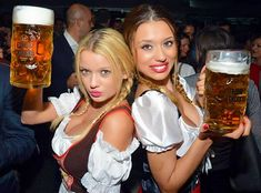 Beer Fest, Best Beer, Historical Costume, Traditional Dresses, Sexy Women, Beauty, Germany, Girls, Ale