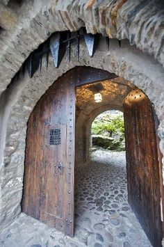 Scotland   Eilean Donan Castle entrance (Geoff P, Feb 2012)