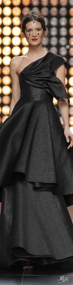Fall 2015 Ready-to-Wear Isabel Sanchis: