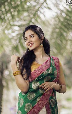 Beautiful Saree, Beautiful Indian Actress, Girl Photo Poses, Girl Photos, Photography Poses Women, Beauty Women, Women's Beauty, Indian Beauty, Indian Actresses