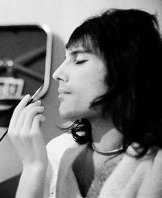 #Queen #FreddieMercury. Back then, I've seen pic where his winged eyeliner was better than some of the women and girls do it now! Ah Freddie. Even then, you set the bar.