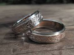 Výsledek obrázku pro snubni prsteny baron Baron, Wedding Rings, Engagement Rings, Crystals, Diamond, Jewelry, Enagement Rings, Jewlery, Bijoux