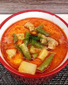 Thai Red Curry, Food And Drink, Lunch, Cook Books, Cooking, Ethnic Recipes, Hungarian Cuisine, Kitchen, Cookery Books