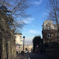 Yesterday's weather  >>>  today's weather . . . #blueskies #montmartre #gimmethatsunshine #theorrsgotofrance #igersparis #travelgram #nofilter