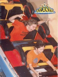 Funny People On Roller Coasters (24 pics)