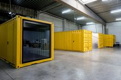 office Office container - Office Space Design with Shipping Containers by Five AM - News - Frameweb Home Office Design Cool Office Space, Office Space Design, Office Interior Design, Office Interiors, Shipping Container Office, Shipping Container Buildings, Shipping Container Design, Shipping Containers, Container Shop