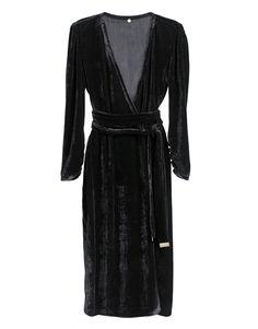 Black Velvet Wrap Dress #Blackdress #ltb #velvetDress #silk #SilkVELVET #wrapdress Black Silk, Black Velvet, Wrap Dress, Model, How To Wear, Dresses, Fashion, Mathematical Model, Gowns