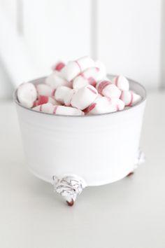 Monica Johansson | Keramikskål på rosfötter | Matilde & Co | Handla online