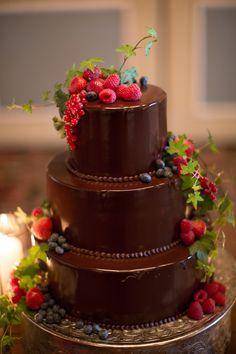 Chocolate Wedding Cakes For Fall Weddings