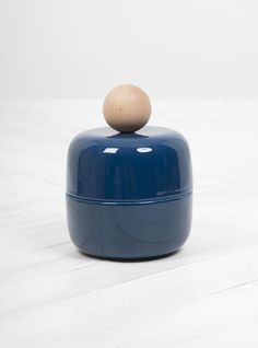 Discover the latest collection from Federica Bubani at Couverture & the Garbstore. Shop the Maggy L Ceramic & Wood Handle online now. Christmas Gift Guide, Christmas Gifts, Home Accessories, Handle, Ceramics, Wood, Italy, Xmas Gifts, Ceramica