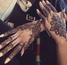 51 trendy Ideas for indian bridal henna mehndi body art Henna Hand Designs, Mehndi Designs Finger, Pretty Henna Designs, Mehndi Designs For Girls, Mehndi Designs For Fingers, Best Mehndi Designs, Henna Tattoo Designs, Simple Mehndi Designs, Henna Tattoo Hand
