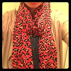 Pink Marc by Marc Jacobs Scarf Pink Cheetah Marc by Marc Jacobs scarf- stretchy material, double layered and long scarf, perfect for a Spring and Summer cover up, headscarf, or just regular scarf! Fashion statement! Never worn, but no tags :/ Marc by Marc Jacobs Accessories Scarves & Wraps
