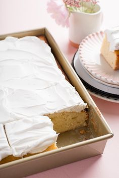 Recipe: One-Bowl Tres Leches Poke Cake — Recipes from The Kitchn One Layer Cakes, Poke Cakes, Poke Cake Recipes, Dessert Recipes, Milk Recipes, Baking Recipes, Cupcakes, Cupcake Cakes, One Bowl Vanilla Cake Recipe
