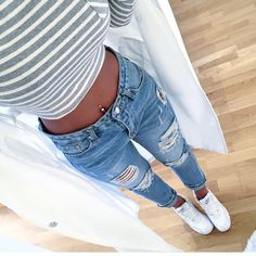 Boyfriend jeans and belly ring! Boyfriend jeans and belly ring! The post Boyfriend jeans and belly ring! appeared first on Crev. Mode Outfits, Jean Outfits, Casual Outfits, Fashion Outfits, Womens Fashion, Style Fashion, Classy Outfits, 90s Fashion, Latest Fashion