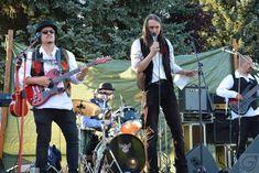 Bei den bisherigen Live-Auftritten von Goblins Gift sind einige Video-Sniplets entstanden. Hier mal eine kleine Auswahl. Bald werden einige Video-Highlights der letzten Auftritte folgen.   #Celtic #GoblinsGift #Live #liveband #Rock #Video #Vienna #youtube Live Band, Highlights, Goblin, Videos, Rock, Gift, Youtube, Style, Stone