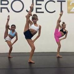 Ballet Dance Videos, Hip Hop Dance Videos, Dance Tips, Dance Choreography Videos, Dance Lessons, Ballet Dancers, Ballerina Workout, Dancer Workout, Gymnastics Workout