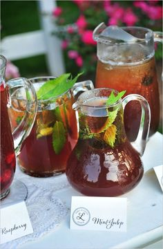 Iced Tea Bar - If your wedding is in the warmer months, you might be more interested in an iced tea bar. Large jugs of flavored iced teas are perfect for an outdoor wedding. Wedding Food Stations, Drink Stations, Southern Wedding Inspiration, Tea Station, Homemade Pie, Southern Weddings, Rustic Weddings, Sweet Tea, Iced Tea