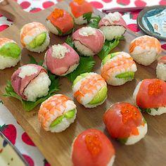 meg's dish photo 手まり寿司 | http://snapdish.co #SnapDish #桃の日(3月3日) #ひな祭りお寿司グランプリ2015 #ひな祭り #お寿司 #晩ご飯
