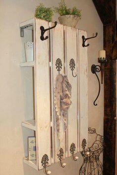 Pallet wood coat hanger w/shelves