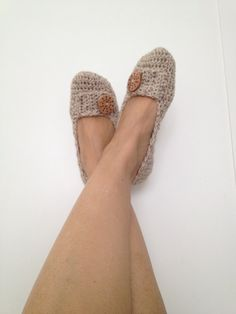 Hey, I found this really awesome Etsy listing at https://www.etsy.com/listing/185754927/cream-camel-beige-tweed-crochet-womens